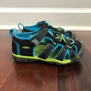 Keen Waterproof Sandals Water Shoes Boys Size 9